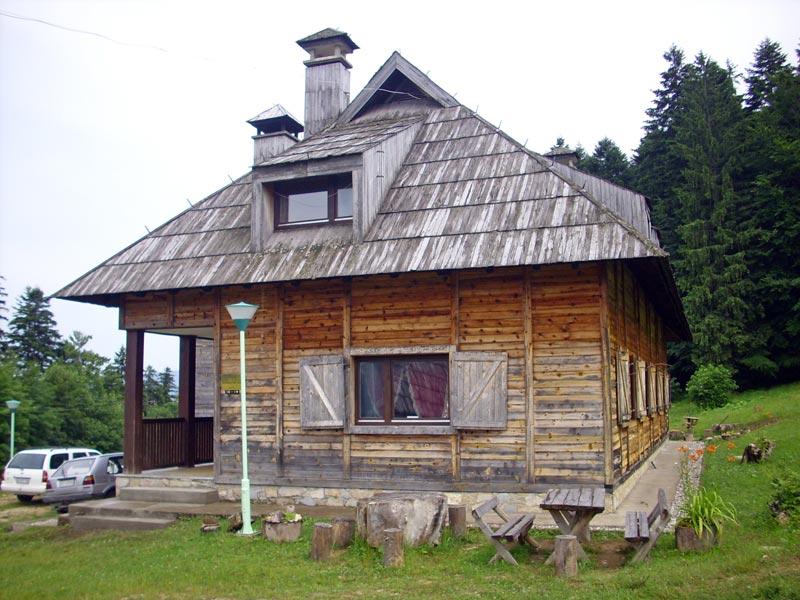 """Planinarska kuća """"Predov krst"""" – Tara"""