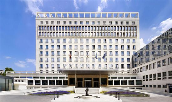 Metropol Palace Beograd - hotel front 1